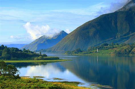 surga alam indonesia  lebih indah  maldives