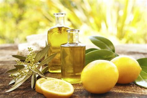 huile de citron cuisine les huiles essentielles en cuisine nana turopathe