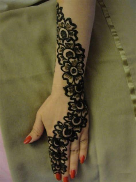 Latest Mehndi Designs For Hands: Latest Hand Mehndi Design