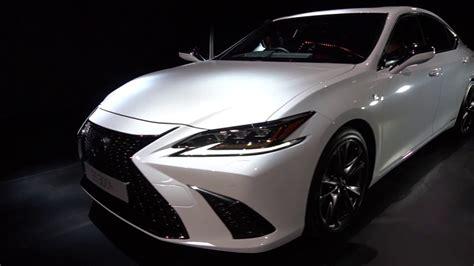 lexus es  reveal  spin interior details