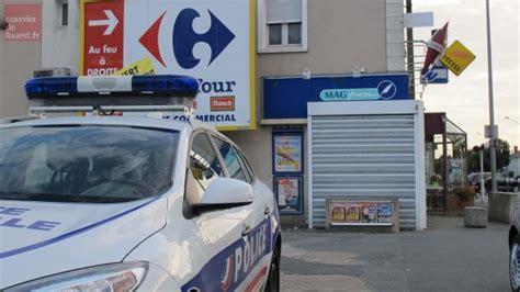 trois hommes armés braquent un bureau de tabac à angers