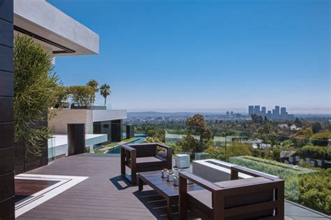A Step Up In Amazing Architecture La by A Spectacular Beverly House