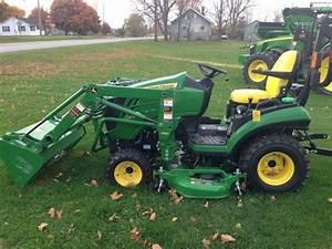 2013 John Deere 1025r Tractors - Compact  1-40hp