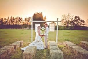 country wedding burlap inspired country wedding trudie robbie rustic wedding chic