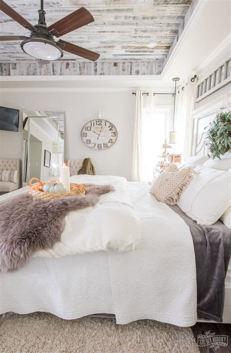 Cozy & Easy Fall Bedroom Decorating Ideas  The DIY Mommy