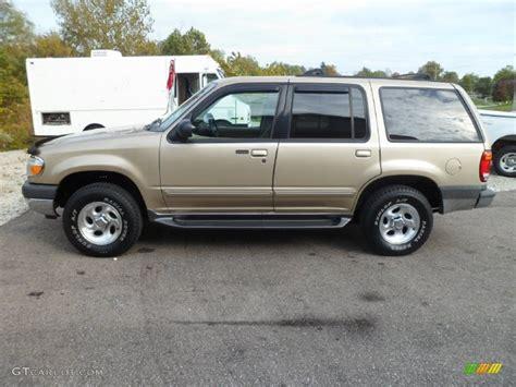 2000 Harvest Gold Metallic Ford Explorer Xlt 4x4 #87058203