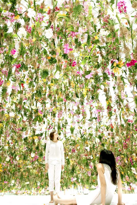Floral Garden by An Immersive Digitally Controlled Installation Of 2 300