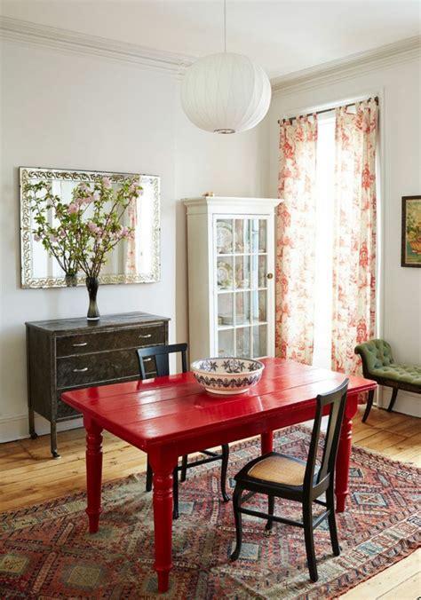 canapé coloré mettez un meuble pour enrichir l intérieur