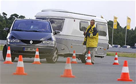 siege auto adac adac fahrsicherheitstraining für wohnwagen wohnmobile und