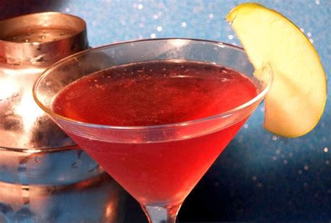 apple washington martini crown royal pucker recipe double appletini drink food recipes drinks ingredients cocktails try summer alcohol cocktail shots