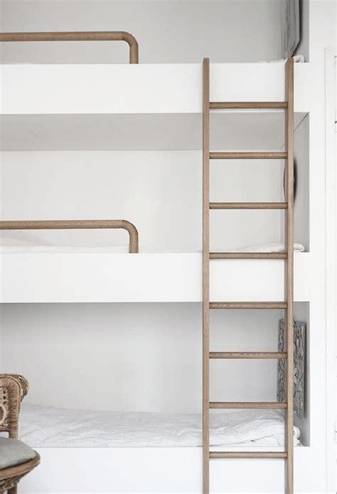les 25 meilleures id 233 es de la cat 233 gorie lit superpos 233 escalier sur lits superpos 233 s