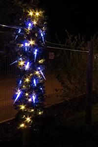 Weihnachtsdeko Aussen Led : verr ckte deko aber irgendwie doch eine hingucker weihnachtsbeleuchtung pfosten mit bel ~ Eleganceandgraceweddings.com Haus und Dekorationen
