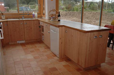 cuisine prix usine bois douglas aussi appelé pin d 39 oregon maisoneco