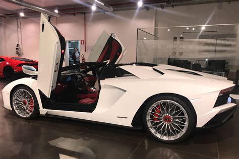 lamborghini aventador s roadster hire hire new lamborghini aventador s roadster gt rent luxury exotic car hire italy and europe