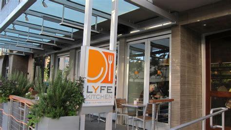 lyfe kitchen nyc lyfe kitchen health food restaurant founded by former