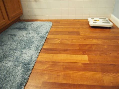 How To Replace Vinyl Flooring In Bathroom by Bathroom Linoleum Flooring Replacement Project 9 Steps