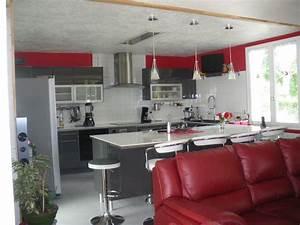 Deco cuisine gris et blanc inspirations et deco salon noir for Deco cuisine avec chaise de salon grise