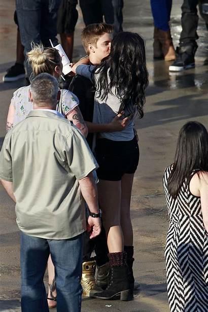 Selena Justin Gomez Bieber Boyfriend Kiss Straddling