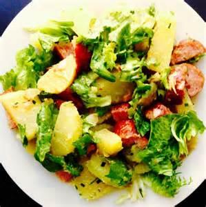 salade de pommes de terres saucisse de montb 233 liard