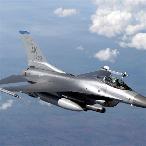 F-16 Fighting Falcon Desktop Wallpapers 1024x1024