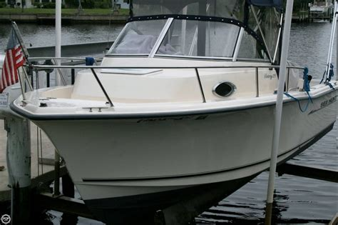 Sea Hunt Victory Boats For Sale by 2002 Used Sea Hunt Victory 215 Walkaround Fishing Boat For