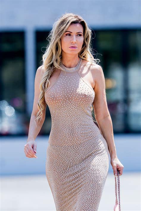 Ana Braga Seen shopping in Los Angeles - Celebzz