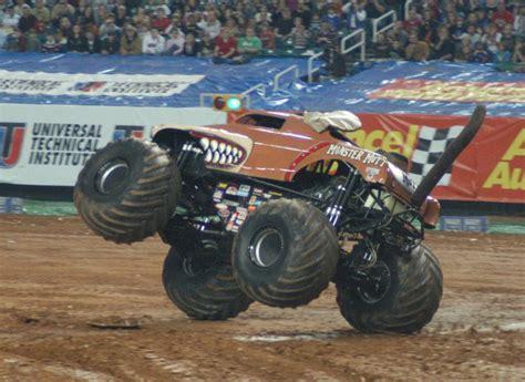 monster truck jam atlanta atlanta georgia monster jam january 12 2008