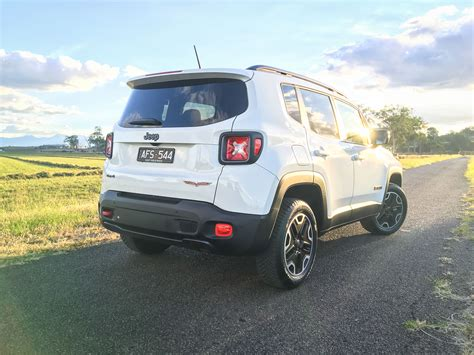 Review Jeep Renegade by 2016 Jeep Renegade Trailhawk Review Caradvice