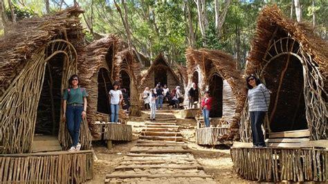 rumah hobbit picture  wisata seribu batu songgo langit