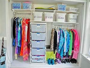 10 Ways to Organize Your Kid's Closet