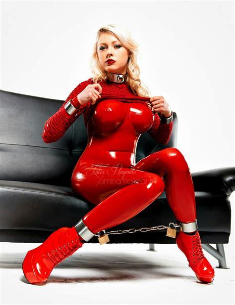 red latex catsuit filme und bilder cosplay