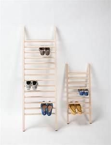 Schuhregal Für Kinder : designer schuhregal step up aus holz emko ~ Markanthonyermac.com Haus und Dekorationen