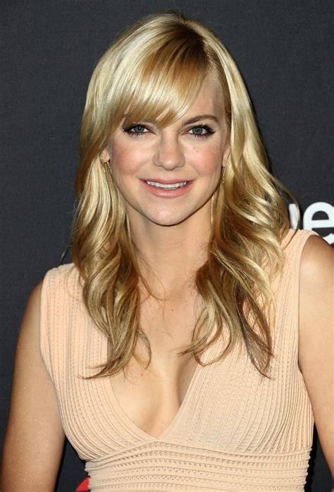 Anna Faris Sweet Feathered Flip The Best Mom Haircuts
