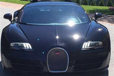 The one of its kind vehicle was sold sold for €16.5m ($18.68m) inclusive of taxes. Cristiano Ronaldo se compra un Bugatti Veyron por la Eurocopa | SoyMotor.com