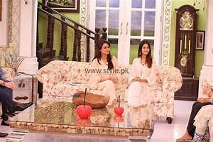 Javeria Abbasi with her daughter in Good Morning Pakistan ...