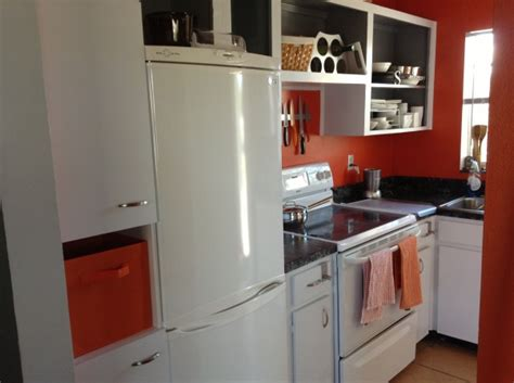 10 Kitchen Decor Ideas For Your Mobile Home Rental. Annie Sloan Chalk Paint Kitchen Cabinets. Kitchen Paint Colors With Golden Oak Cabinets. Stain Or Paint Kitchen Cabinets. Kitchens Without Upper Cabinets Ideas. Images Of Kitchen Cabinets With Hardware. Second Hand Kitchen Cabinet Doors. Kitchen Cabinet Garbage Can. Kitchen Cabinets Montreal