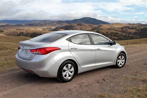Hyundai Car : Hyundai Elantra, Range Rover Evoque Named 2011 North