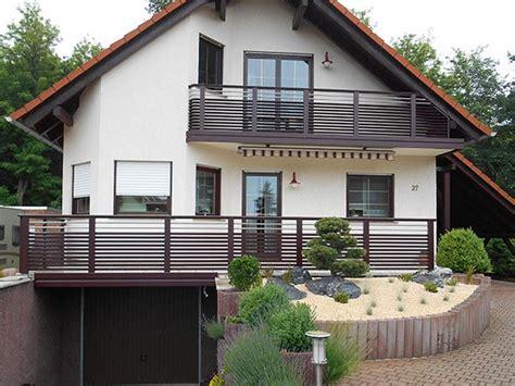 Moderne Häuser Balkon by Riesige Auswahl Balkone Balkongel 228 Nder Und Z 228 Une Aus