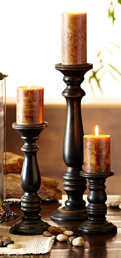 stagger  heights   candles  pillar holders