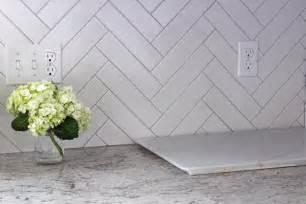 tile patterns for kitchen backsplash herringbone backsplash pearls on a string