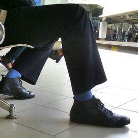 lelaki arab berkumis berbulu dada perut gendut muncrat