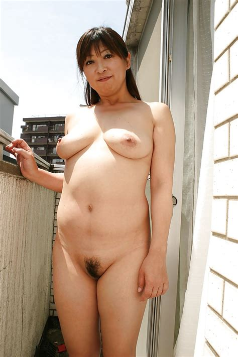 Sassy Asian Mature Gal Nozomi Oshima Posing Naked And
