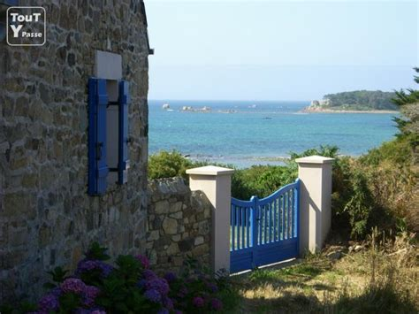 bretagne maison de pecheur avec superbe vue mer plougrescant 22820