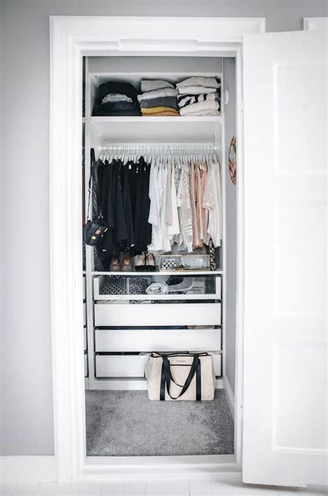 Small Walk In Closet Organization Ideas by 12 Small Walk In Closet Ideas And Organizer Designs