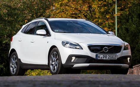Volvo V40 Cross Country Backgrounds by Volvo V40 Cross Country Race 2014 Wallpapers And