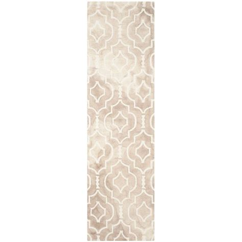 4163 patterned bath rugs safavieh dip dye beige ivory 2 ft 3 in x 8 ft runner