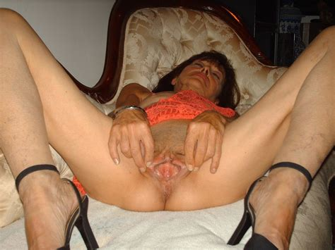 Amateur Skinny Granny Whohre Show Her Big Cunt Part 1