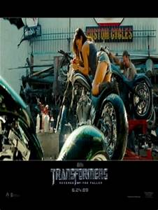 megan fox transformers 2 motorcycle | CrackBerry.com