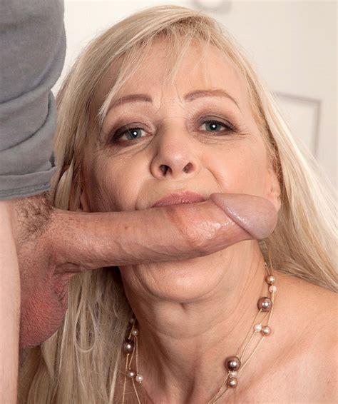 Xxx Full Grown Lady Blowjob Pics