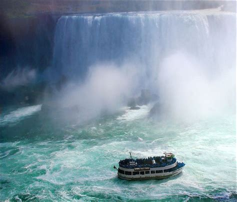 Niagara Falls Boat by Niagara Falls Tour Boat Canada Side Wonderful World